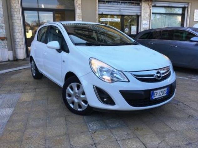 Opel corsa 1.0 12v 5p. edition