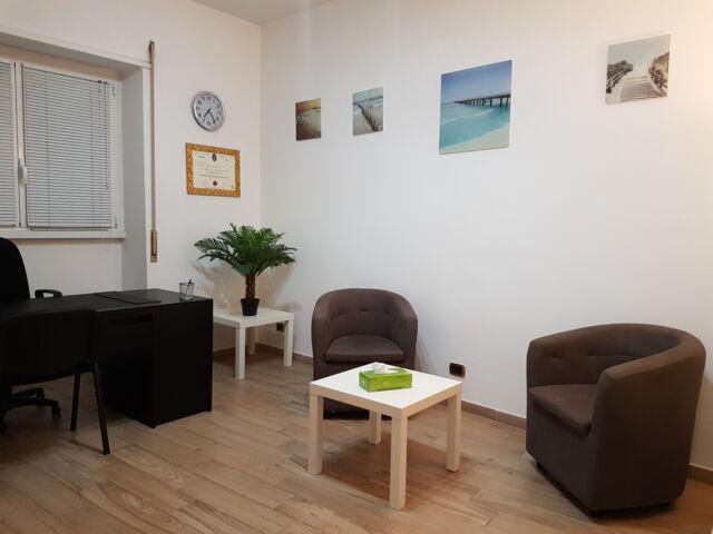 Stanza uso studio a psicologi / psicoterapeuti roma libia