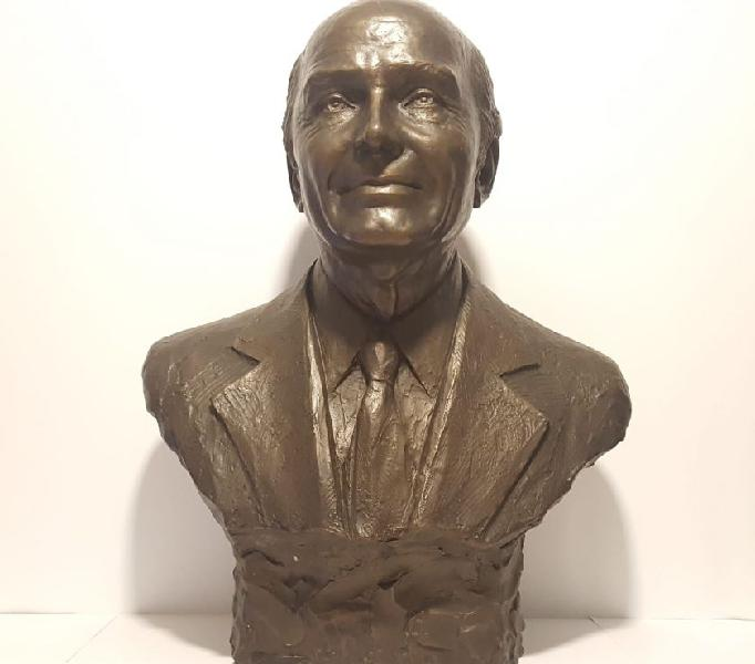 Busto in bronzo di gabriele d'annunzio, scultura