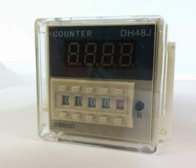 Conta impulsi,conta pezzi programmabile, v 24 dc/ac