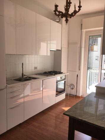 Cucina bianco lucido complet di elettrodomestici