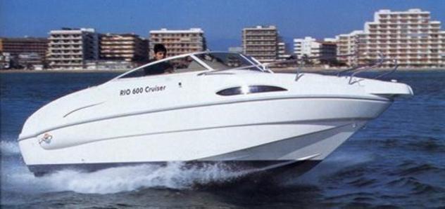 Barca a motorerio 600 cruiser anno2002 lunghezza mt6.0