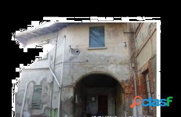 Villa all'asta in via san lorenzo 21 lazzate
