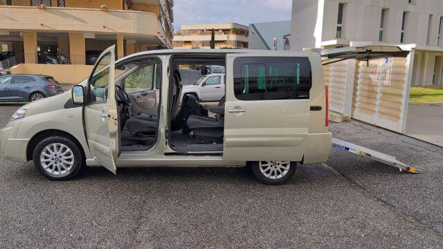 Fiat scudo 9 posti omologato trasporto disabili con pedana