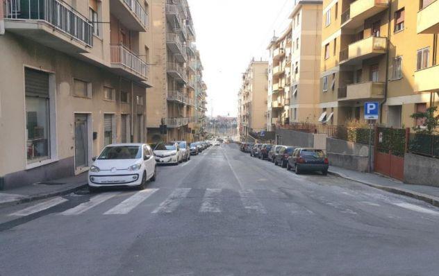 Genova pra centrale affitto locale box accesso diretto