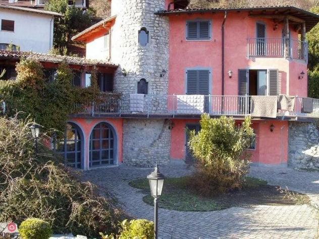 Villa in vendita a dizzasco