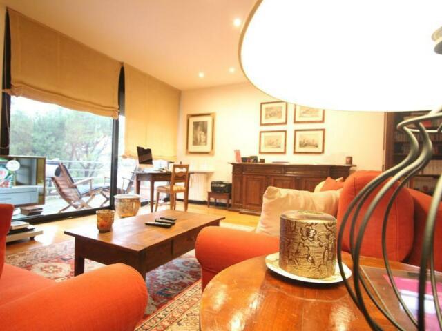 Appartamento di 4 locali con tripli servizi e giardino a