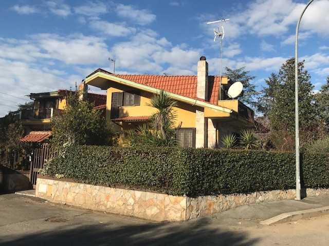 Indipendente - villa a marco simone, guidonia montecelio