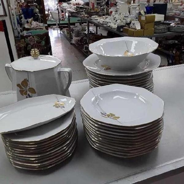 Servizio piatti bianchi decoro oro bavaria 40 pezzi