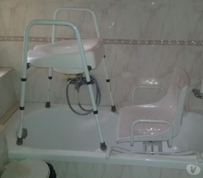 Accessori per disabili: sedia girevole vasca da bagno