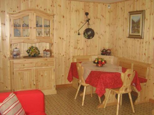 Mobilii rustici prezzi fabbrica: soggiorno 022 completo