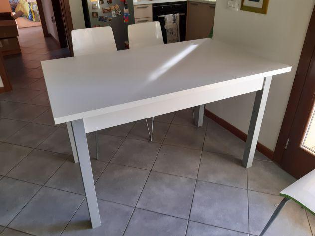Tavolo Allungabile In Legno Con 4 Sedie.Tavolo Nuovo Legno Sedie Offertes Maggio Clasf