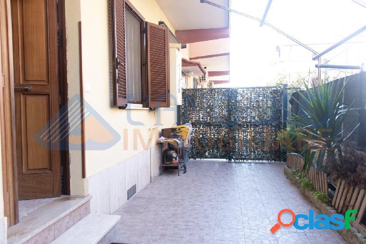 Centro- 3 locali con giardino e box auto € 129.000 t312
