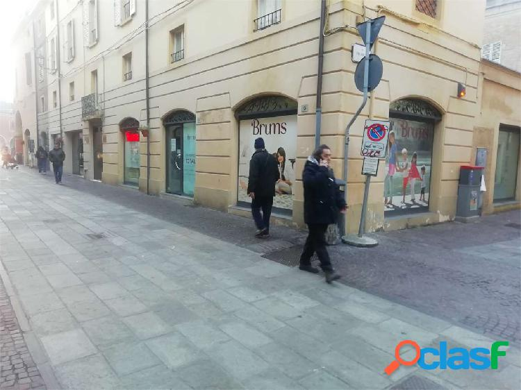 Negozio centro storico (dal 01/02/2020 libero)