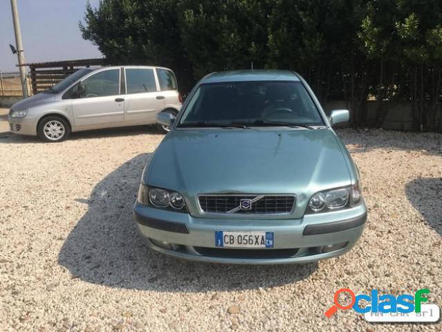 Volvo v40 diesel in vendita a lavello (potenza)