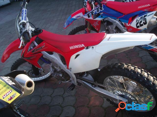 Honda CRF 250 R in vendita a Orzinuovi (Brescia)