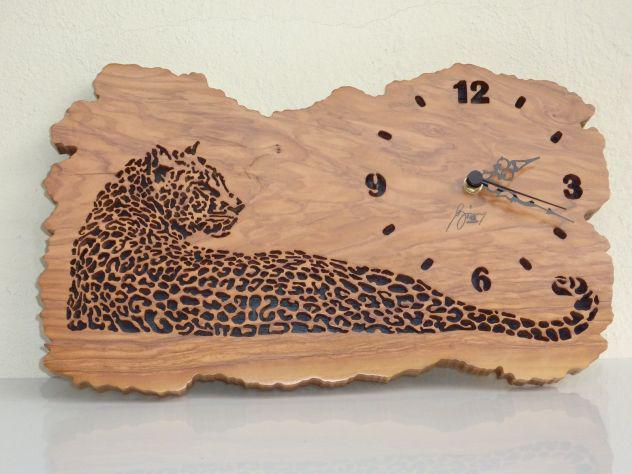 Oggetti artigianali in legno esotico