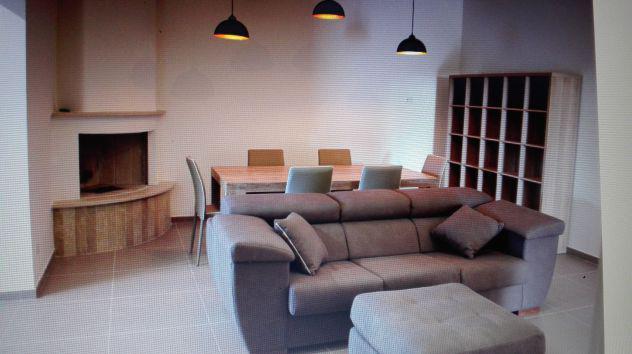 Villa indipendente, arredamento completo e moderno con ampia