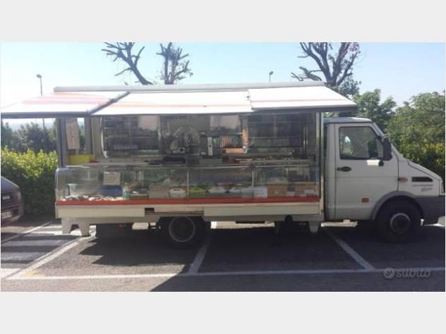Km23500 furgone vendita ambulante iveco