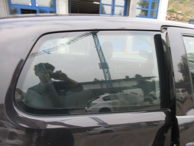 Vetro laterale destro volkswagen fox del 2006