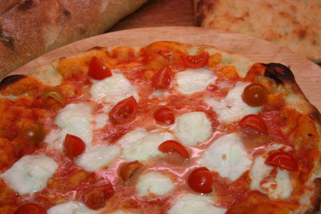 Pizzeria,tavola calda, paninoteca, delivery