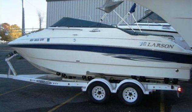 Barca a motore larson 220 cabrio anno2000 lunghezza mt6