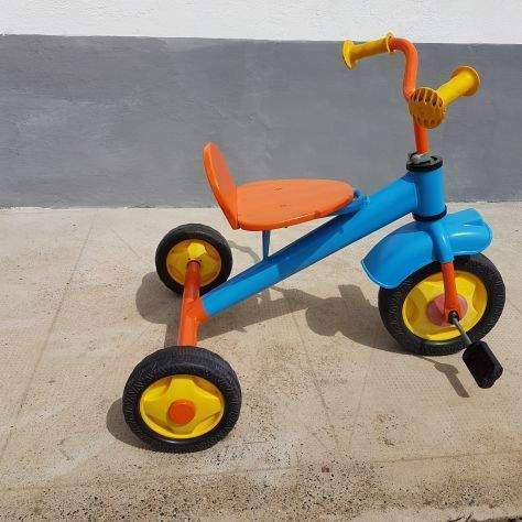 Triciclo vintage in ferro da collezione giordani conservato