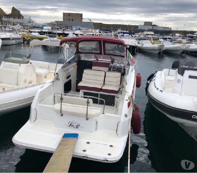 Barca a motore ottime condizioni maxum2300