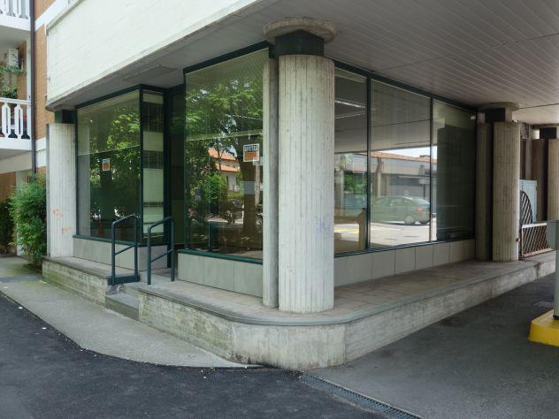 Affittasi locale uso commerciale o ufficio in latisana viale