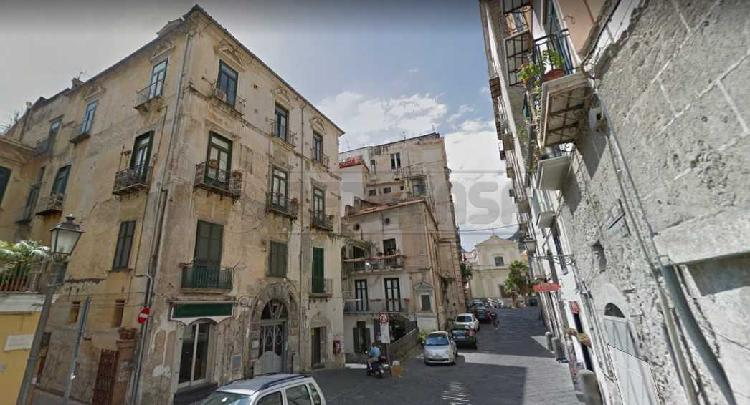 Commerciale - Negozio a CENTRO STORICO, Salerno