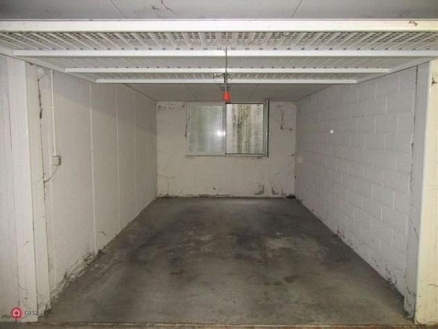 Garage/posto auto in vendita a isola della scala