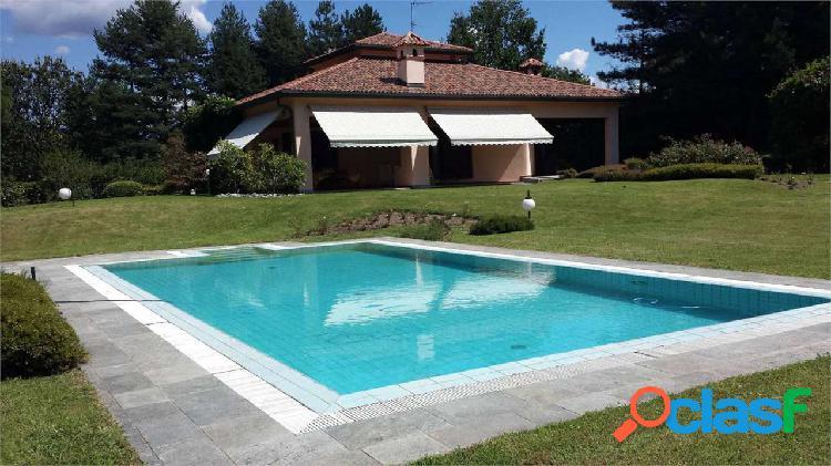Villa unifamiliare, ottimo stato, 500 mq, montorfa