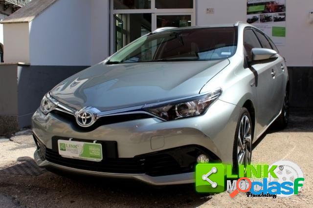 Toyota auris elettrica-benzina in vendita a pomigliano d'arco (napoli)