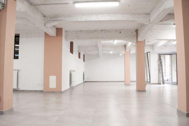Vendesi locale open space uso laboratorio