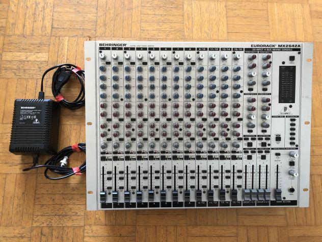 Vendo mixer behringer eurorack mx2642a