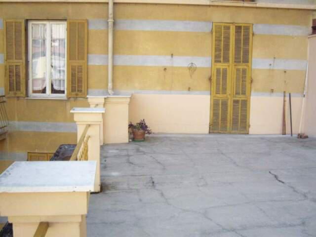 Appartamento con terrazzo vicino centro sanremo