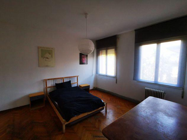 Stanza singola in appartamento luminosissima, centrale,