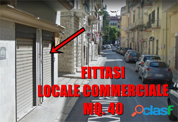 Locale commerciale angolare mq. 40