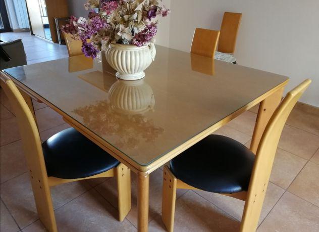 Tavolo allungabile e 6 sedie