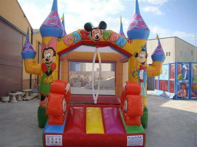 Vasca palline castello fantasia 4,50 x 4,00 h 3,60