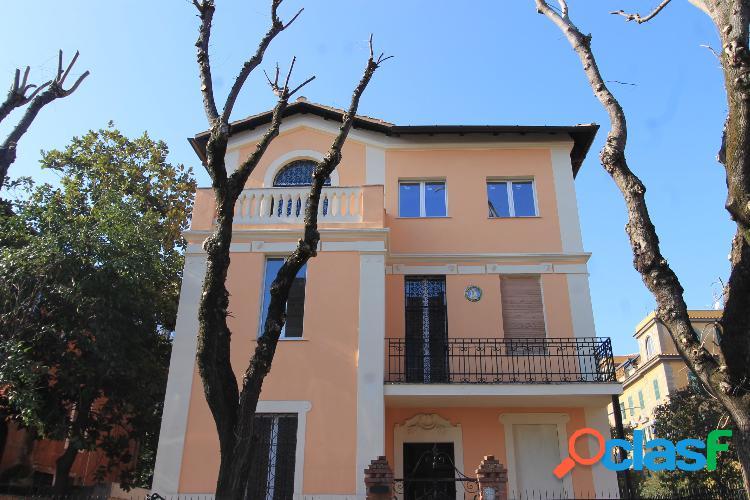 Monteverde vecchio - appartamento 6 locali € 5.800