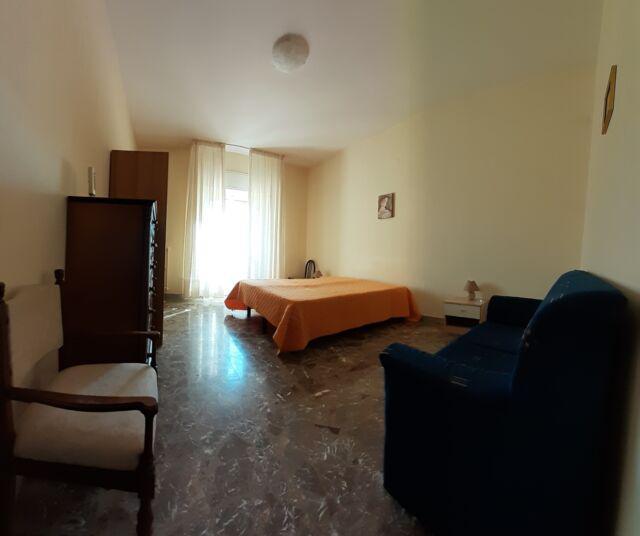 Ampia camera singola disponibile in via cappuccini, 14