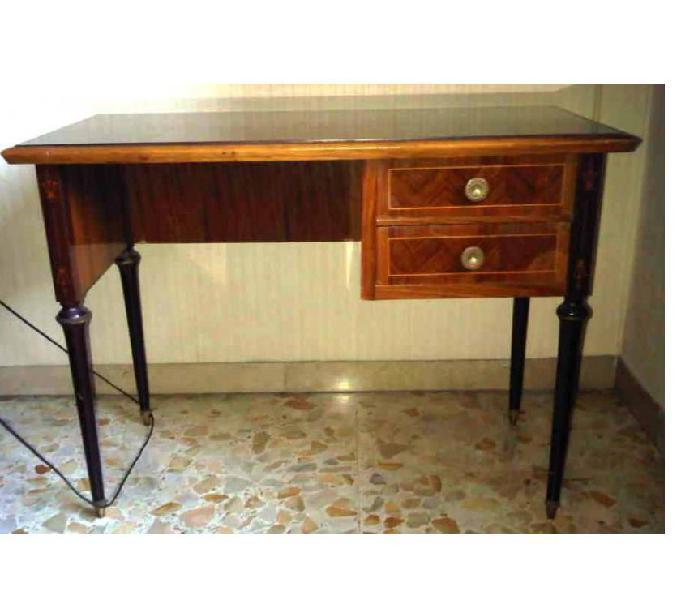 Piccola scrivania anni 60