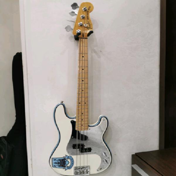 Fender precision steve harris signature