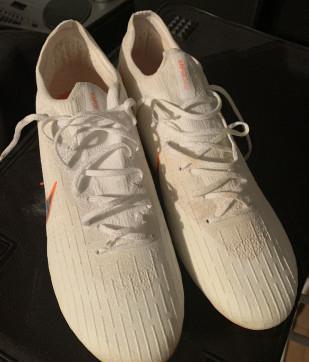 Scarpe da calcio nike tg 47 nuove con tacchetti ferro