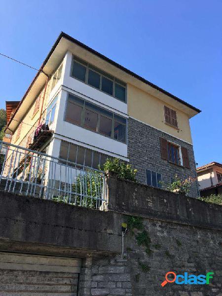 Intera casa bifamiliare in vendita