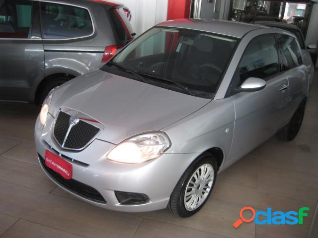 Lancia ypsilon diesel in vendita a bari (bari)