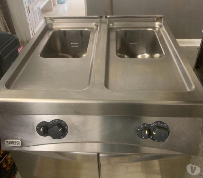 Attrezzature cucina industriale a gas, motori banco frigo.