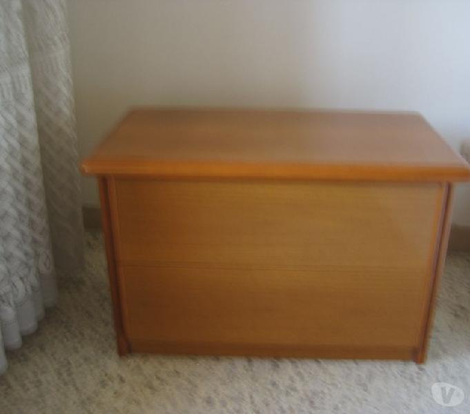 Coordinato cassettiera 2 comodini e specchio legno massello