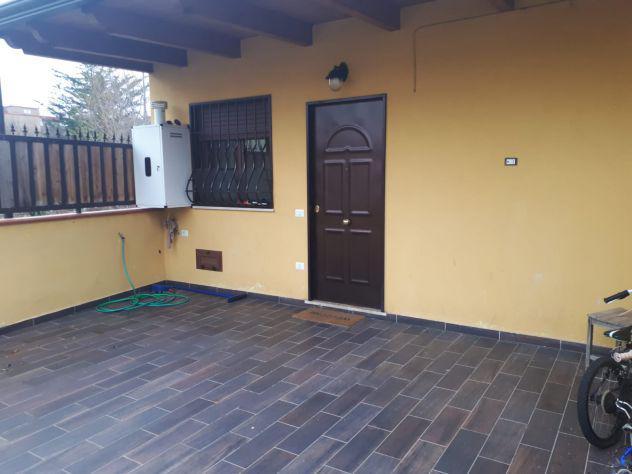 V.italsider 2 vani semindipendente + terrazzo e p.auto
